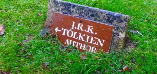 JRRT author sign at Wolvercote cemetary (c) Marcel Aubron-Bülles