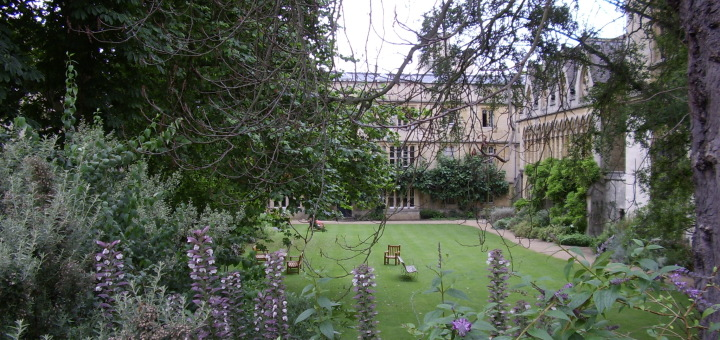 Exeter College, Oxford, UK. Fellows' Garden. (c) Marcel Aubron-Bülles